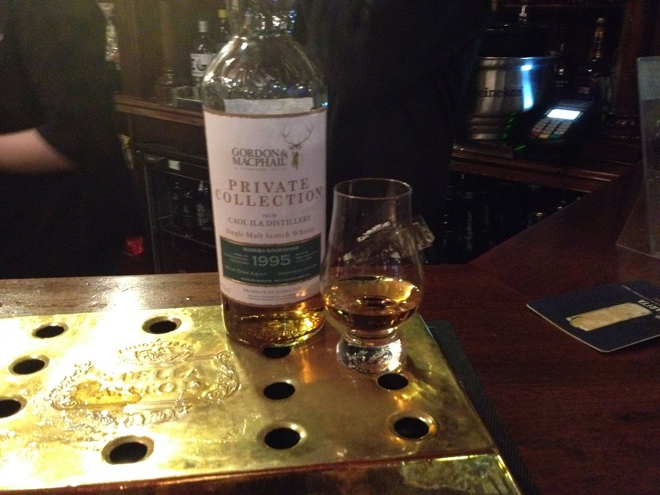 Caol Ila 1995 in The Bow Bar